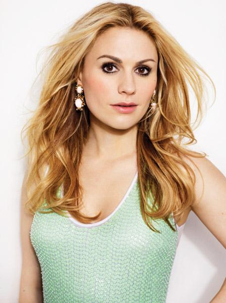 anna-paquin-talks-about-art-collecting-family-L-9TycT7