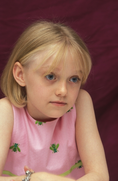 Dakota Fanning as Allie